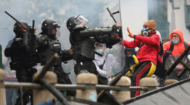 La Unión Europea se pronunció por la represión que han ejercido las fuerzas de seguridad de Colombia contra los manifestantes en protestas sociales. Foto: Reuters