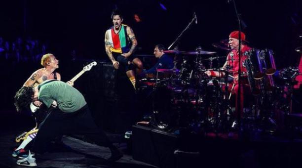 La banda estadounidense se unió a moda de vender derechos de sus éxitos musicales. Foto: Instagram red Hot Chili Peppers