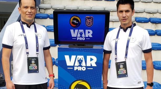 Carlos Orbe estará al frente del VAR y Luis Quiroz dirigirá en la cancha, durante el primer Clásico del Astillero del 2021. Foto: Twitter @LigaPro
