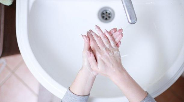 El nulo acceso a servicios de saneamiento afecta a 1 500 millones de personas en el mundo. Foto: Pixabay