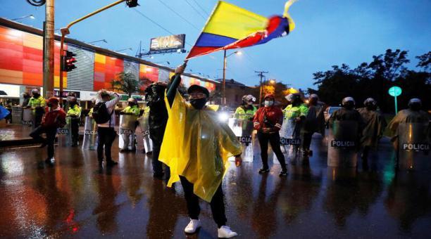 Las protestas contra la política económica del Gobierno colombiano continúan. Se convocó el próximo miércoles a un nuevo paro nacional, según expresaron dirigentes sindicales. Foto: EFE