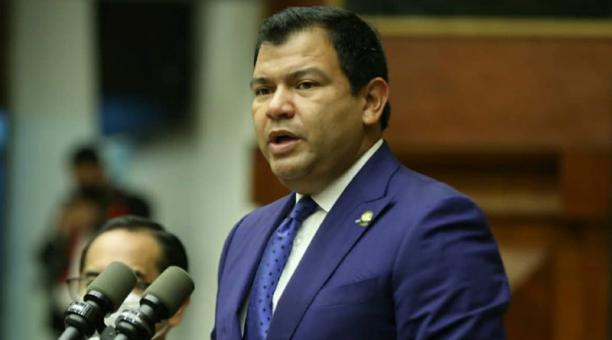 """El presidente de la Asamblea, César Litardo (AP), sostuvo que esta decisión """"representa un paso adelante en la apertura de nuevos mercados para la reactivación económica del país"""". Foto: Tomada de la cuenta Twitter @cesarlitardo"""