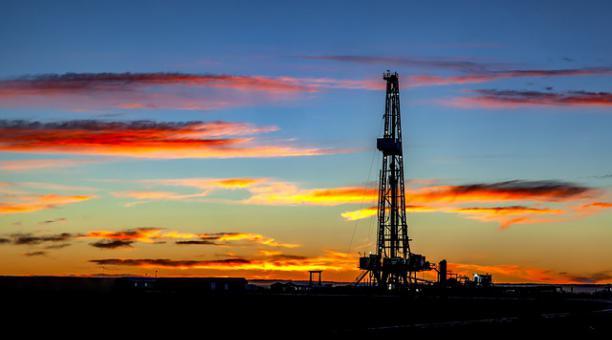 Imagen referencial. Este país árabe es el segundo mayor productor de la OPEP y su economía depende casi en su totalidad de los ingresos generados por el petróleo. Foto: Pixabay