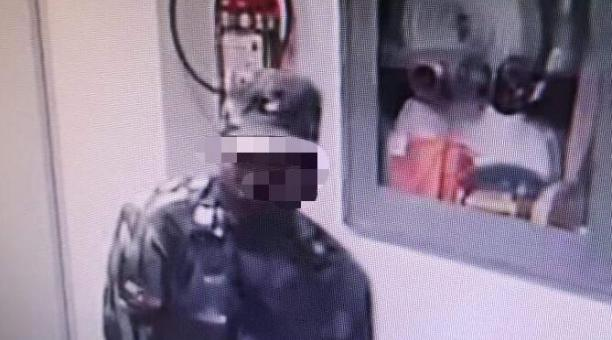 Las cámaras de seguridad captaron el accionar de los sospechosos. Foto: Captura de pantalla