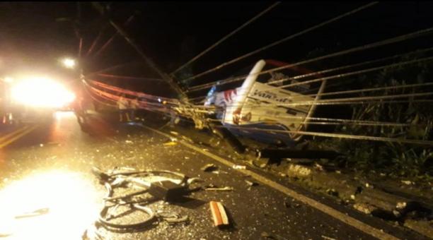 Siete personas resultaron heridas en un accidente de tránsito entre un bus de transporte público y un camión en la provincia de Pastaza. Foto: Cortesía Ecu911