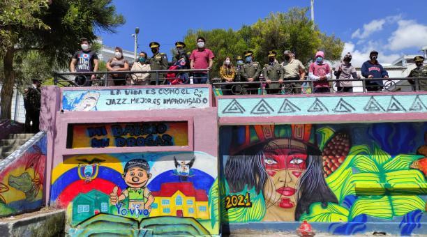 La Policía Antidrogas realizó un proyecto en el parque mirador Centro de Arte Contemporáneo que consiste en fomentar la prevención de drogas en el barrio de San Juan de Quito. Foto: EL COMERCIO