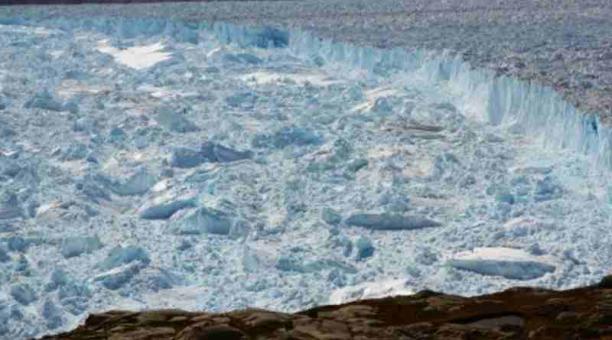 Helheim es uno de los glaciares más grandes en Groenlandia. Foto: EFE