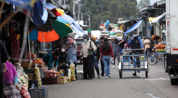 El INEC determinó que las canastas Familiar Básica y Vital en Ecuador cuestan USD 711,18 y USD 501,79, en ese orden. Foto: Julio Estrella/ EL COMERCIO