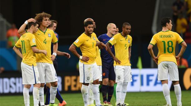 Brasil perdió 3-0 ante Holanda en el Estadio de Brasilia. Foto: Robert Ghement /EFE