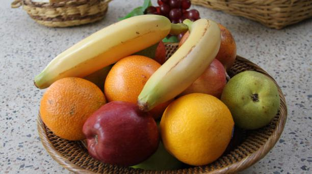 Las frutas contienen entre 3 y 25 gramos de azúcar por cada 100 gramos. La acumulación de fructosa en el organismo deviene en aumento de peso. Foto: María Isabel Valarezo/ EL COMERCIO