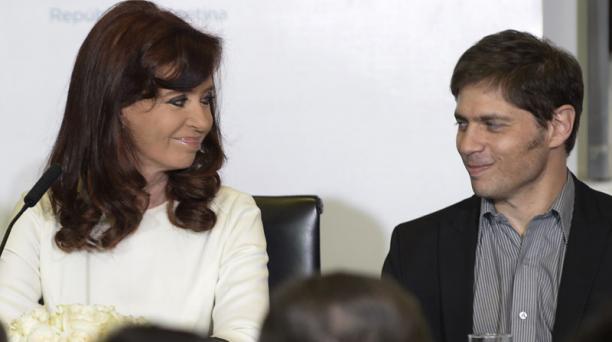 La presidenta Cristina Fernandez de Kirchner y el ministro de Economía, Axel Kicillof, durante una ceremonia en la casa de gobierno. Foto: Daniel García / AFP