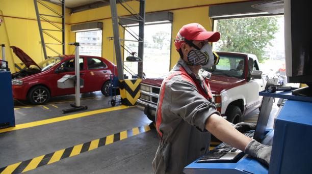 Centro de matriculacion vehicular de Guajaló. Foto: Eduardo Terán Urresta/ EL COMERCIO.