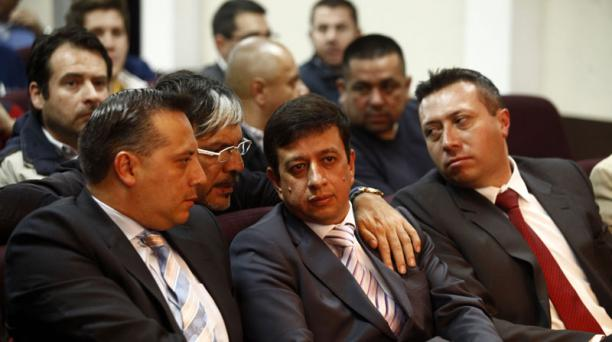Joselito Cobo (centro), presidente del Deportivo Quito, junto a Diego Araujo, vicepresidente y Freddy Mayorga, secretario. Foto: EL COMERCIO