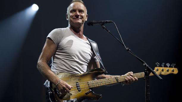 El bajo preferido de Sting es un Fender  modelo 'Precision', de 1955, caracterizado por tener un solo micrófono. Foto: AFP