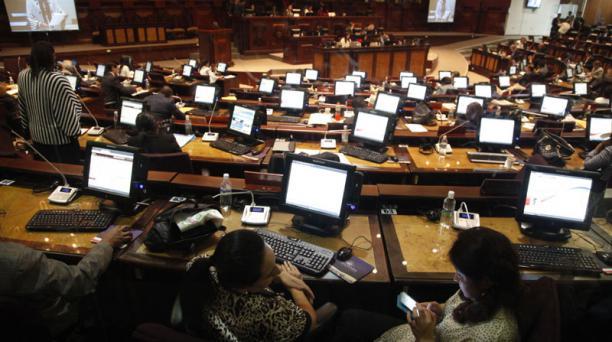 Las reformas al Código de Trabajo y la Ley de Seguridad Social entran al primer debate en la Asamblea Nacional el 29 de diciembre de 2014. Foto: Patricio Terán/ EL COMERCIO