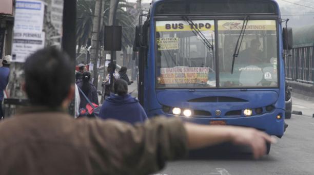 Desde las 10:00, aproximadamente, el servicio de buses públicos convencionales y de los alimentadores del transporte municipal (Trole, Ecovía y Corredores Sur Oriental y Sur Occidental) será irregular. Foto: Archivo/ EL COMERCIO.