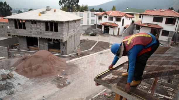 El conjunto residencial Los Leños, de Galarza & Galarza Constructora, se construye en un sector seguro en el valle de Los Chillos, en Quito. Foto: Pavel Calahorrano/ EL COMERCIO