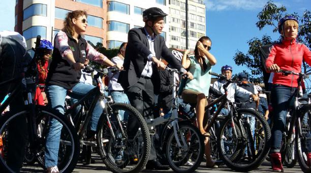 La Alcaldía de Quito promueve la movilidad no motorizada. Este 22 de septiembre se desarrolla el Día sin auto en varias ciudades del mundo. Foto: Eduardo Terán /El Comercio