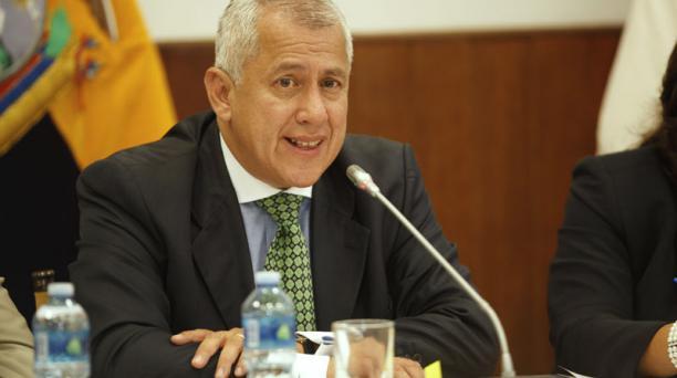 Antonio Buñay, expresidente de Cofiec, en octubre del 2012 cuando compareció por el prestamo de USD 800 000 a Gaston Duzac. Foto: Julio Estrella / EL COMERCIO