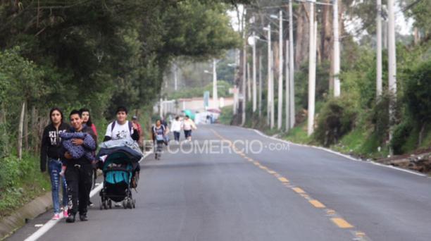 Las vías de acceso a El Quinche se mostraron despejadas este 21 de noviembre del 2015, cuando se realiza la peregrinación hacia el Santuario. Foto: Vicente Costales/ EL COMERCIO