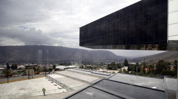 Sede de la Unasur en el noroccidente de Quito en donde se realizará la cumbre de la  Comunidad de Estados Latinoamericanos y Caribeños (Celac