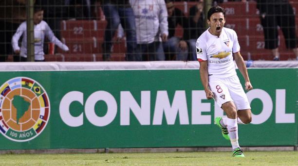 Fernando Hidalgo celebra el gol anotado ante Toluca. Foto: EFE