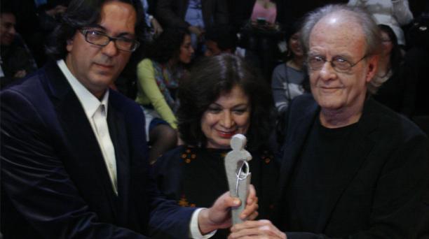 El cantautor español Luis Eduardo Aute fue galardonado con el Premio Poeta de Dos Hemisferios, entregado por el encuentro de poesía Paralelo Cero