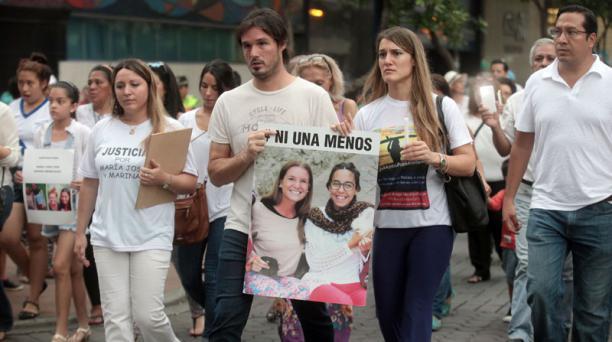 Familiares y amigos de Marina Menegazzo y María José Coni realizaron una marcha contra la violencia a la mujer en el Malecón 2000, en Guaayaquil, el sábado 19 de marzo del 2016. Foto: Enrique Pesantes / EL COMERCIO