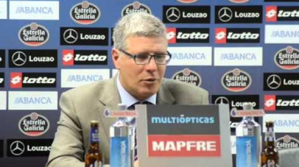 Alvaro Gutierres, nuevo Director Técnico de Liga de Quito en una conferencia de prensa cuando todavía era DT de Nacional de Uruguay. Foto: Wikimedia