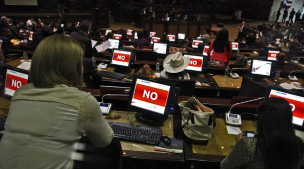 Los 137 asambleístas deben registrar su asistencia antes de iniciar una sesión en el Pleno o en las comisiones.  Foto: Archivo. Patricio Terán/ EL COMERCIO.