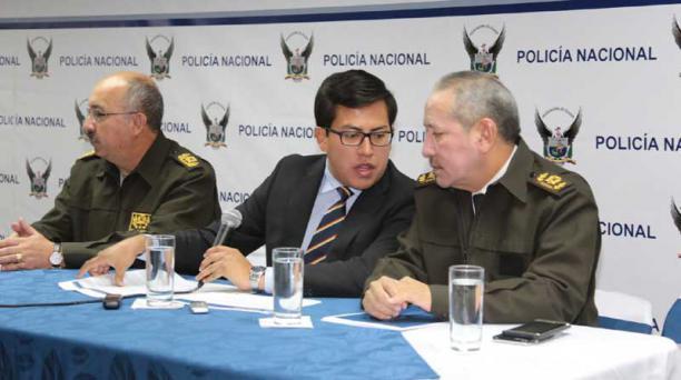 En rueda de prensa el viceministro Diego Fuentes informa sobre la captura. Foto: Alfredo Lagla / EL COMERCIO