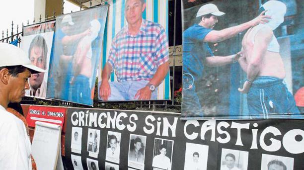 El 17 de marzo del 2014 hubo un plantón por las víctimas que dejó el operativo en una farmacia del Puerto Principal. Foto: Archivo / EL COMERCIO