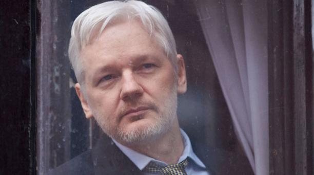 Julian Assange cumplió el 19 de junio del 2016, cuatro años de mantenerse asilado en la Embajada de Ecuador en Londres. Foto: AFP