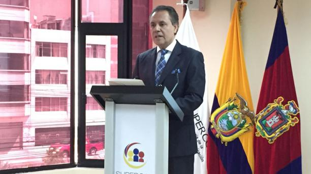 Carlos Ochoa durante una rueda de prensa este 2 de agosto de 2016. Foto: EL COMERCIO