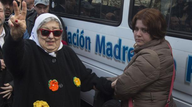 Un juez ordenó detener a Hebe de Bonafini, titular de Madres de Plaza de Mayo y símbolo internacional de la lucha contra la dictadura en Argentina. Foto: AFP