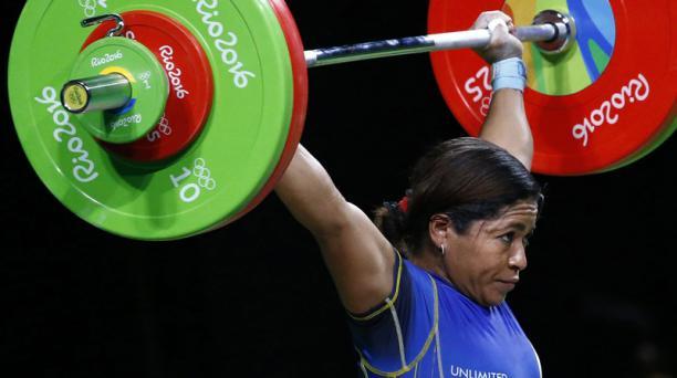 La ecuatoriana Alexandra Escobar fue la mejor latinoamericana en los 58 kg de levantamiento de pesas; terminó en cuarto lugar en los Juegos Olímpicos de Río 2016. Foto: EFE