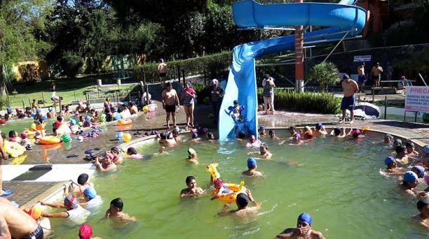 Los balnearios de El Tingo y Cunuyacu fueron unos de los más concurridos durante el feriado del 10 de Agosto. Foto: Cortesía Agencia de Noticias Quito