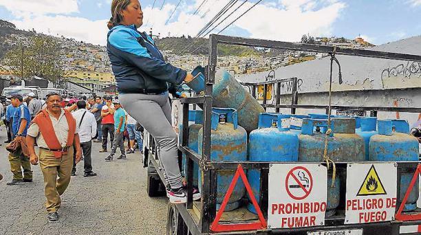 Amparo Vacacela recibió dos sanciones por pitar. Asegura que la multa es excesiva. Foto: Evelyn Jácome / EL COMERCIO