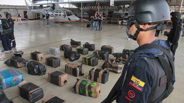 En febrero pasado, la Armada Nacional localizó 700 kg de cocaína en las islas Galápagos. La carga iba a EE.UU. Foto: Mario Faustos / EL COMERCIO
