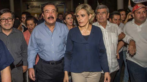 Viteri calificó como un atropello el cerco de los servicios de inteligencia de Venezuela