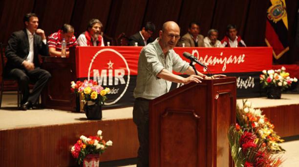 Óscar Bonilla, secretario nacional de Acción Política de Alianza País, participó ayer en la asamblea del MIR, en Quito. Foto: Galo Paguay/ EL COMERCIO.