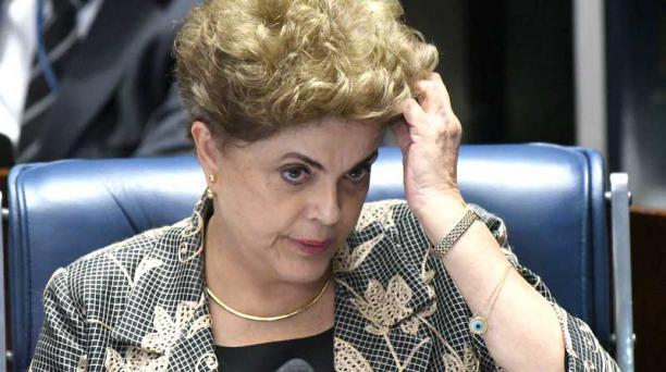 La posible destitución de Dilma Rousseff se definirá en una maratónica votación del Senado, que podría finalizar en la madrugada del miércoles. Foto: EFE