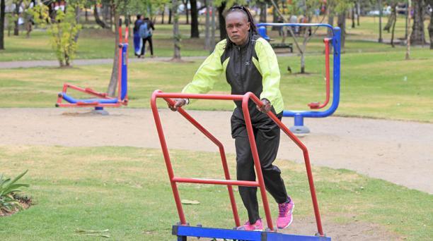 Entrenamiento de la atleta Keniata Margaret Totoitich, previo a la carrera atletica Quito Ultimas Noticias 15K. Foto: Julio Estrella/ EL COMERCIO