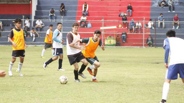 Deportivo Quito abrió sus puertas para reclutar jóvenes que quieran jugar en la Segunda Categoría. Foto: David Paredes / EL COMERCIO