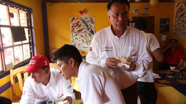 A su llegada a Mindo, almorzó un sánduche en una cafetería local.