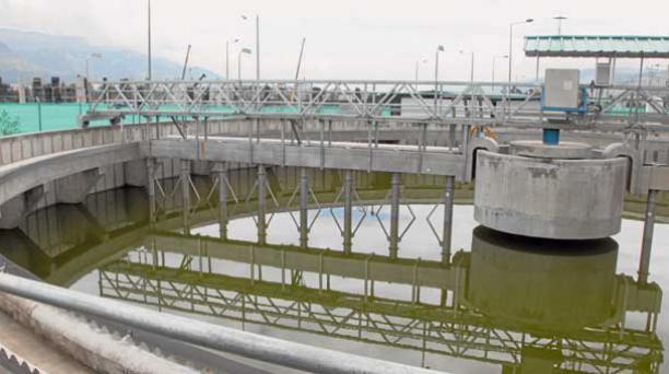 El costo de la obra fue de USD 14 millones de dólares. Servirá para la limpieza de la quebrada Shanshayacu, por donde fluye el mayor volumen de agua que va al río Machángara. Foto: Paúl Rivas / EL COMERCIO