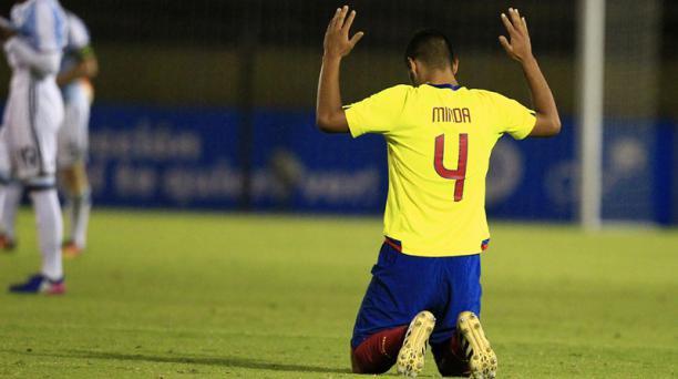 Un jugador de la Selección ecuatoriana sub 20 celebra la victoria de su Selección ante Argentina.