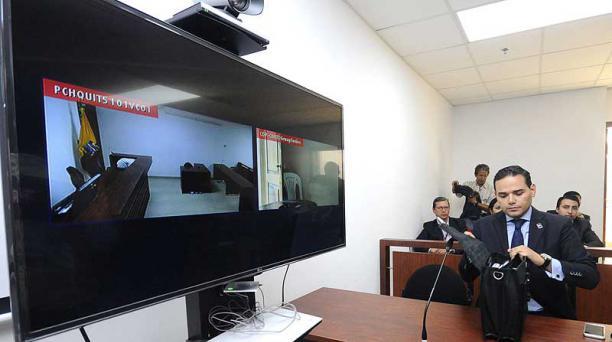 Diego Velasco, abogado de Álex Bravo, participó ayer en la audiencia judicial. Foto: Agencia API