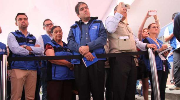 Autoridades del CNE y miembros de la misión de Unasur en el simulacro del 8 de enero. Foto: Paúl Rivas / EL COMERCIO