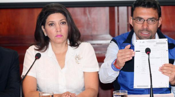 La consejera Nubia Villacís dijo que el anuncio del presidente del CNE, sobre la segunda vuelta, aún no cuenta con resultados oficiales. Foto: Paúl Rivas/ EL COMERCIO